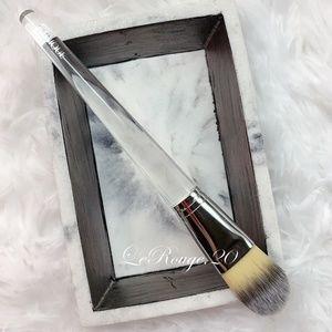 Clinique foundation brush